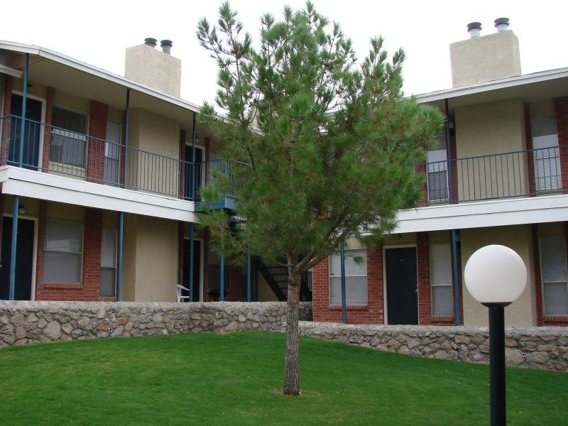 One Bedroom Apartment on 5815 Timberwolf Drive E