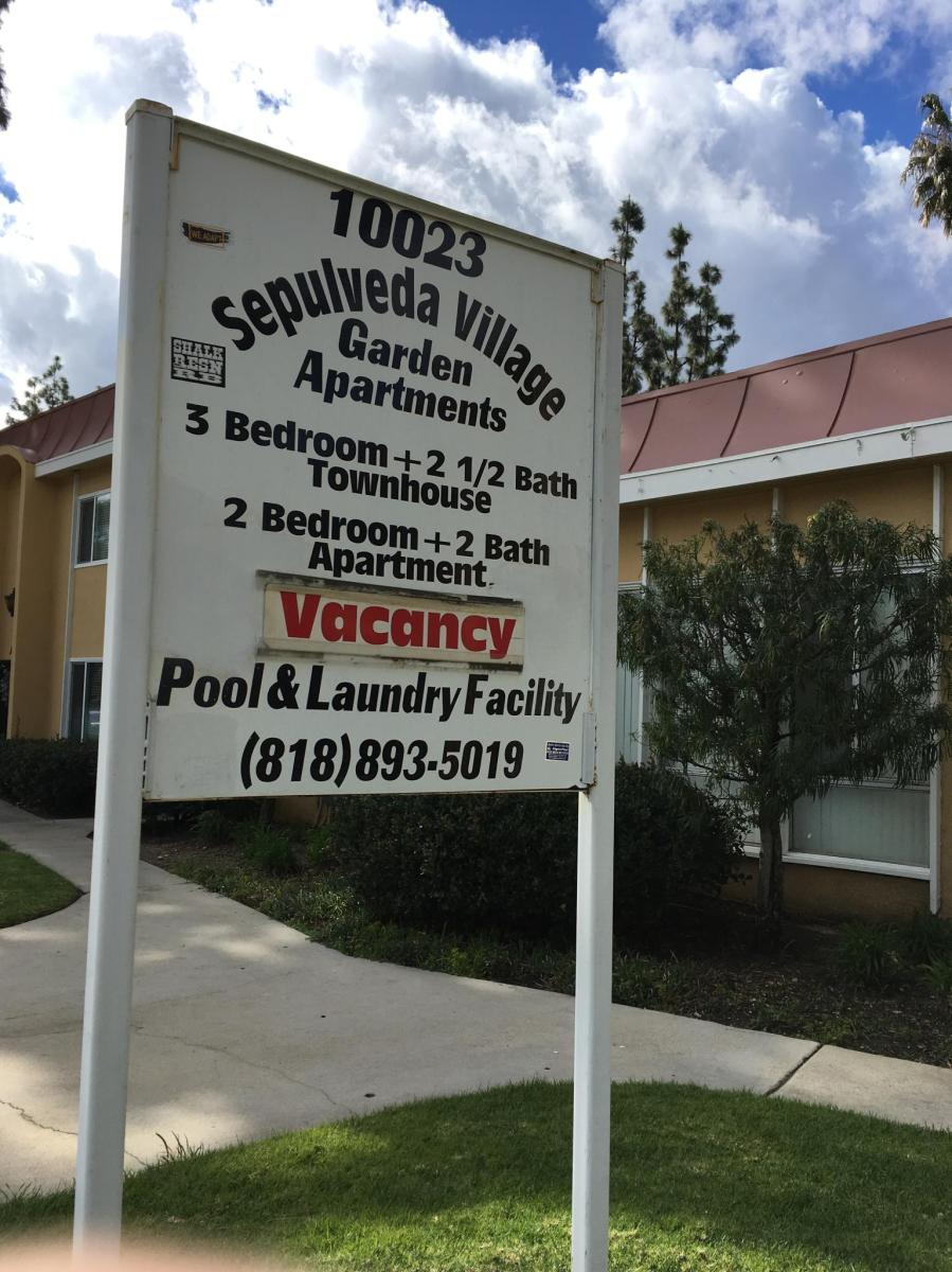 Two Bedroom Apartment on Sepulveda Boulevard Apt