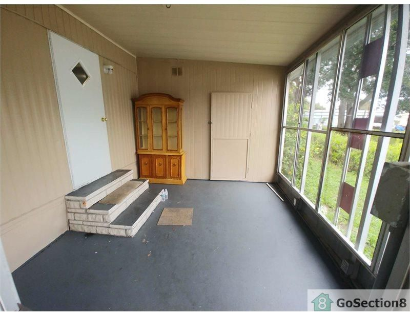 Three Bedroom Mobile-Home on 72nd Way