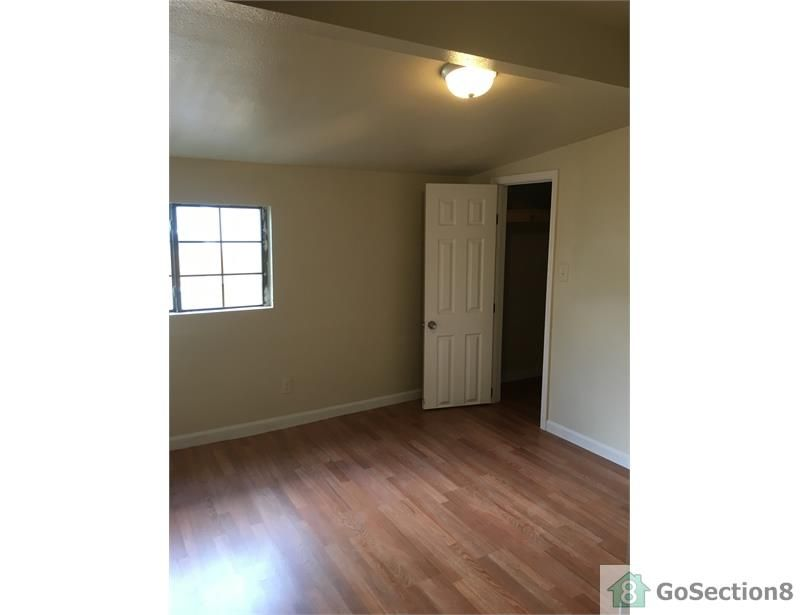 Four Bedroom Mobile-Home on Boxwood Road Lot