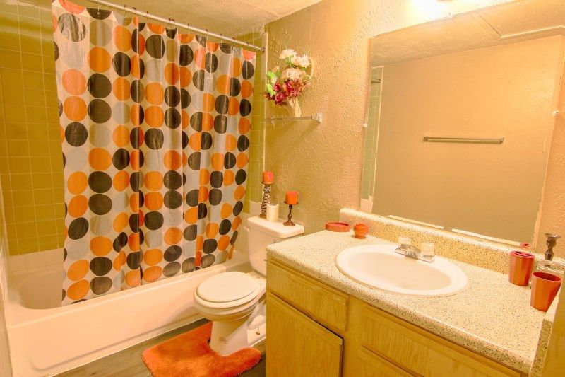 Two Bedroom Apartment on 3550 East Overton Road
